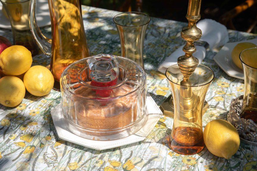 Antique tableware and antique serveware